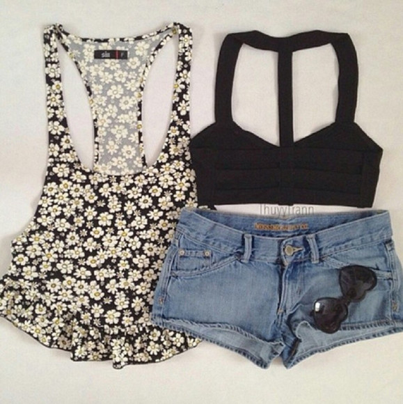 cute lovely black weheartit girly beautiful shirt daisy tank top crop tops white jeans hotpants sunglasses yellow flower floral bandeau