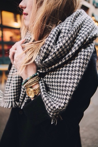 scarf plaid black and white warm winter outfits houndstooth