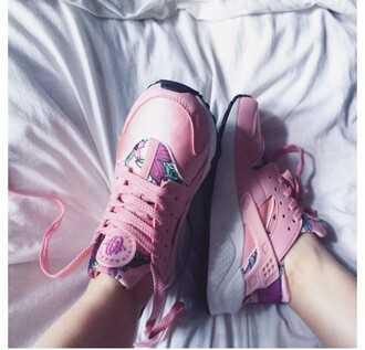 shoes girly girl girly wishlist floral pink huarache nike air huaraches pink sneakers low top sneakers nike
