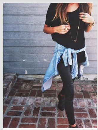 shirt black tee shirt simple loose oversized pants leggings leather matt shiny jeans blackshirt shoes blouse cardigan faux leather pants denim jacket gold necklace black shirt black t-shirt girl fashion girl black leather jacket casual button up button up shirt leather jeans