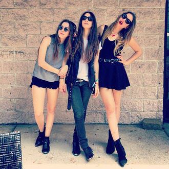 jeans dress black shoes boots sunglasses grunge ombre metal