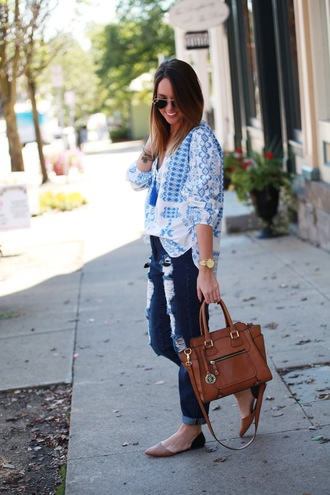 fashionably kay blogger top jeans bag