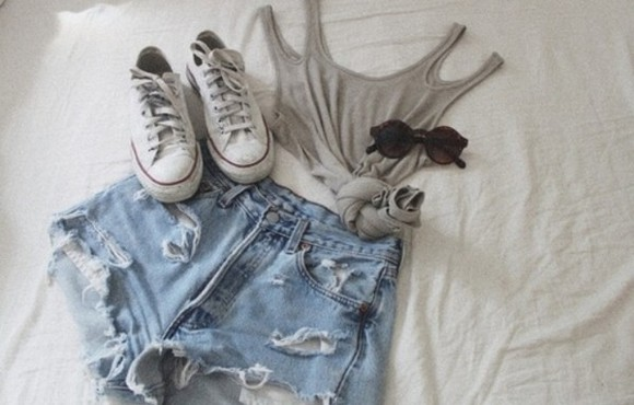 shorts grey tank top shoes outfit ripped ootd summer grey tank top top grey top grey tank grey crop top crop crop tops knot cut out cut out shoulders cut out tank top cut out top ripped shorts hot pants summer outfit skater skater outfit skate skateboard converse allstar shirt sunglasses