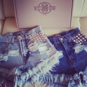 shorts,shorts with spikes,shorts high waisted ying yang tie dye,jeans,denim shorts,studs,studded shorts,studded denim shorts,denim,missdenim,High waisted shorts,high waisted,black bikini