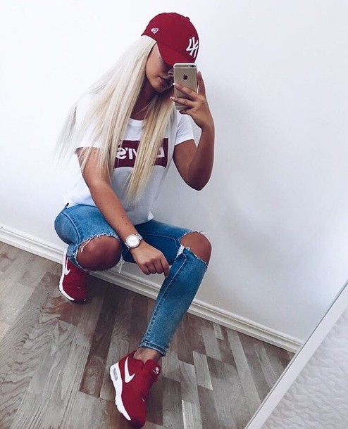 shirt nike hat levi's white t-shirt nike sneakers shoes sneakers red sporty jeans blonde hair