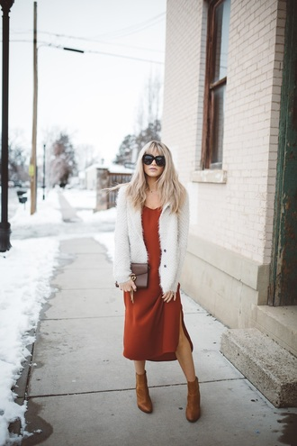 cara loren blogger sweater dress shoes sunglasses bag gucci bag cardigan ankle boots midi dress winter outfits