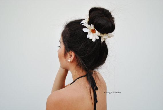 White daisies flower bun wrap