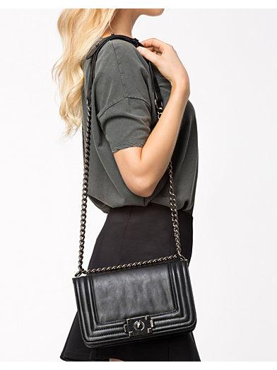 Chain Bag - Nly Accessories - Svart - Väskor - Accessoarer - Kvinna - Nelly.com