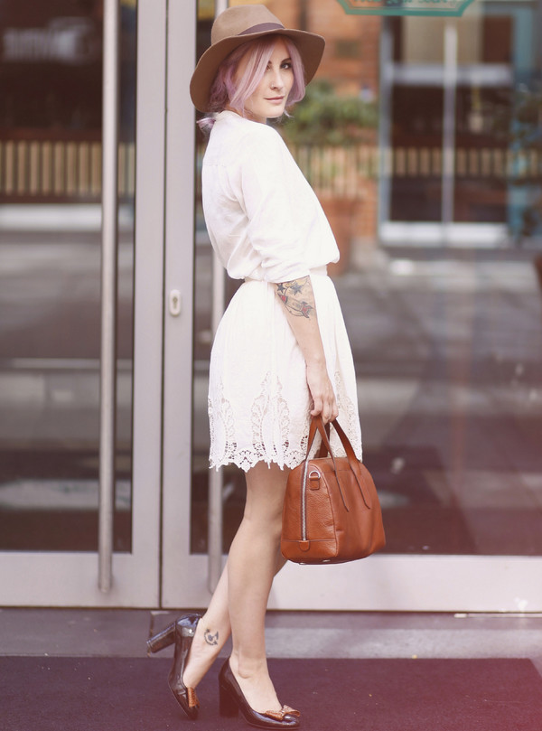 like a riot blogger blouse jewels skirt bag shoes