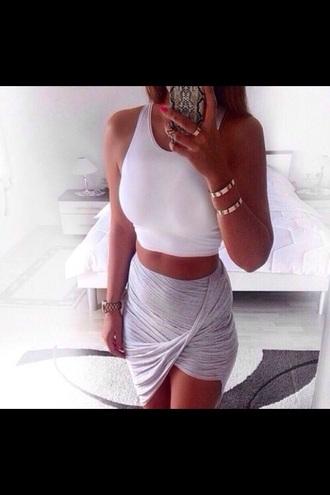shirt grey skirt white crop top skirt