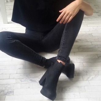 shoes cloths grudge tumblr jeans shirt outfit black boots grunge shoes