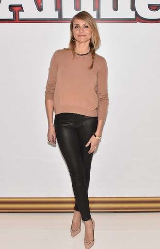 shoes fall outfits pants sweater pumps cameron diaz leather pants