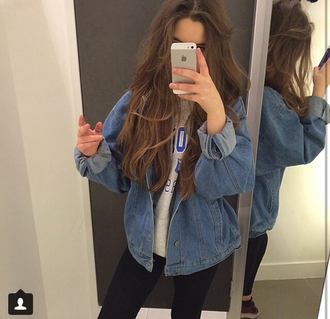 jacket jeans denim denim jacket outerwear changing room grunge grunge jean jacket oversized jeans jacket big jacket t-shirt pale pale grunge baggy baggy jacket demin coat hippie style fashion sportswear sweater jean jackets indie oversized vintage rolled up sleeves blue oversized jacket blue jacket cute retro 90s style i need this jacket