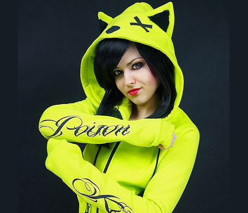 Neon cat hoodie ears poison toxic kawaii cyber goth von PaperCatsPL