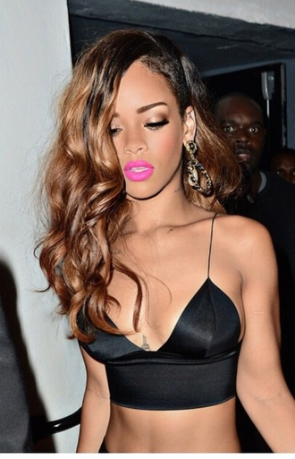 celebrity style rihanna pink lipstick crop tops black