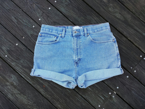 Plus Size High Waisted Denim Shorts Cutoffs door TomieHarleneVintage