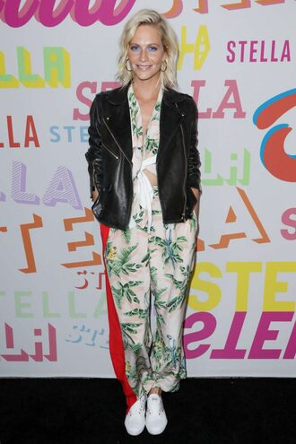 pants blouse top poppy delevingne sneakers jacket spring outfits spring