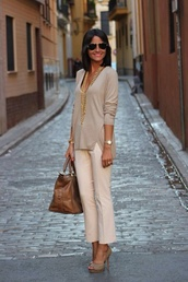 cashmere,nude,cream,natural,color/pattern,beige tones,nude colored trousers,high heels,relaxed,elegant,gorgeous,all nude everything,all one color,sweater