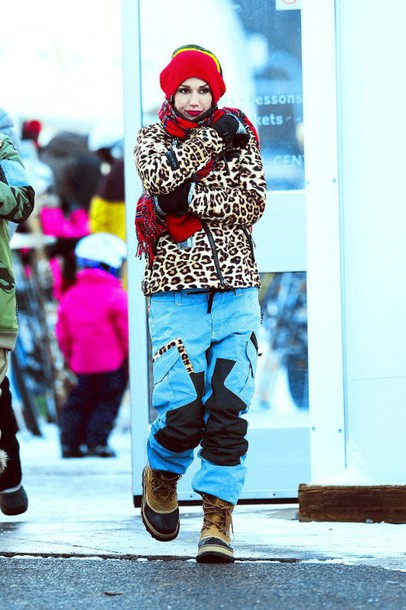 winter outfits winter boots gwen stefani duck boots leopard print winter sports ski pants