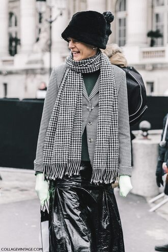 skirt tumblr fashion week 2017 blazer grey blazer streetstyle fashion week street style scarf checkered vinyl vinyl skirt black skirt black leather skirt leather skirt hat fur hat gloves sweater green sweater