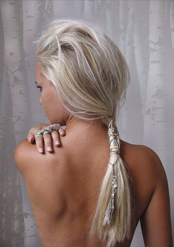 jewels silver hair accessory hairstyles hair accesssory beaded ponytail beach wedding wedding hairstyles summer beauty hair accessory blonde hair hair Accessory hair/makeup inspo chain