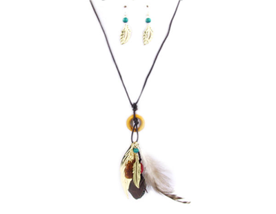 Boho chic feather fashion necklace set brown / turquoise / gold