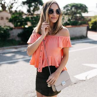 skirt tumblr khaki mini skirt bag grey bag top off the shoulder off the shoulder top sunglasses