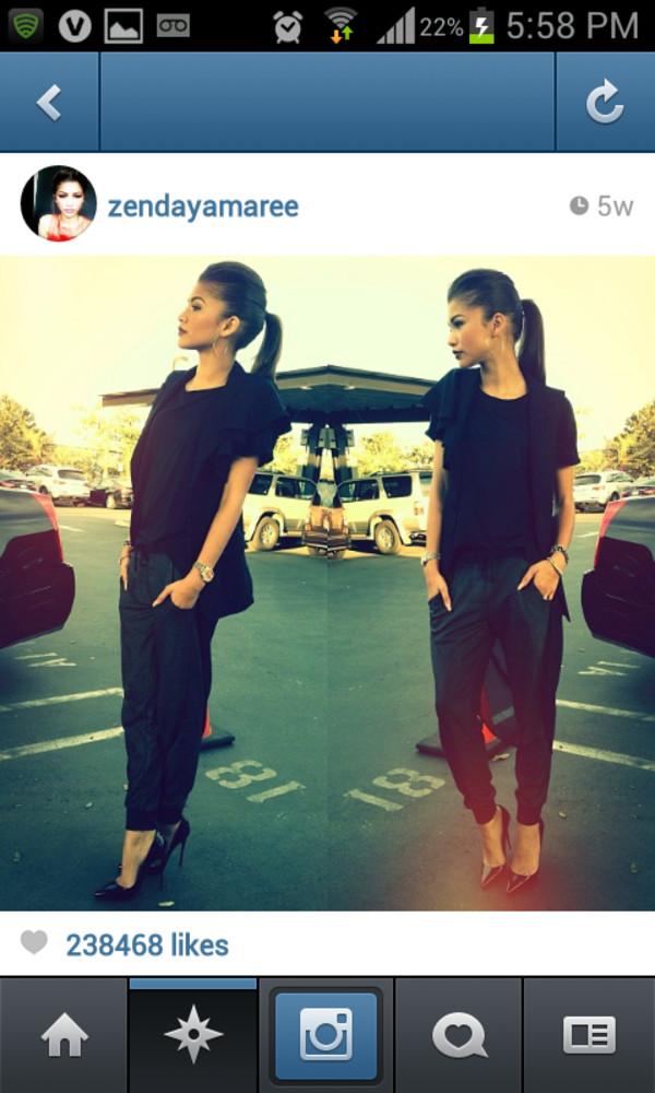 jeans pants pantalon cuir noir shoes zendaya zendaya black high heels pointed toe harem pants black pants blouse black blouse shirt perfect black