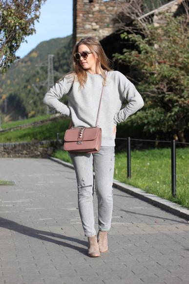 blogger jumper sunglasses bag say queen jeans studs