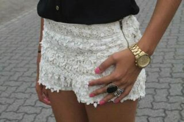 jewels montre hippie chic shorts
