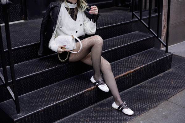 fashionmews blogger cardigan top shorts tights shoes jacket bag flats black leather jacket white bag
