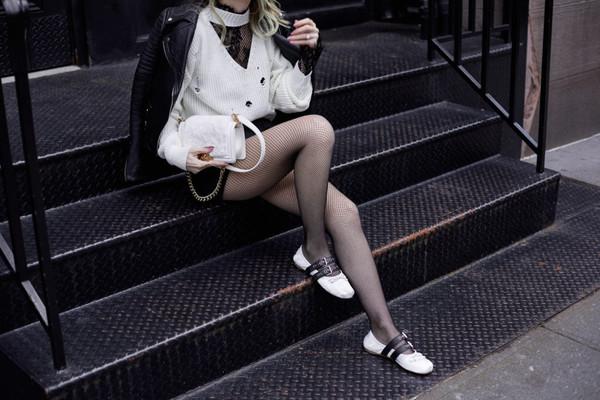 fashionmews blogger cardigan top shorts tights shoes jacket bag flats black leather jacket white bag