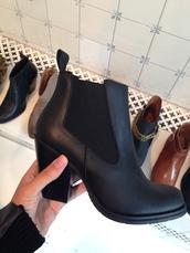 shoes,chealsea,boots,chealsea boot,heel,gardenia,copenhagen