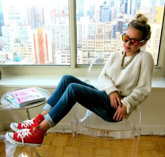 shoes red converse converse red sneakers sneakers high top converse high top sneakers denim jeans blue jeans sweater white sweater necklace sunglasses mirrored sunglasses fall outfits