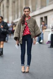 jacket,puffer jacket,army green jacket,shirt,red shirt,jeans,denim,streetstyle,skinny jeans,blue jeans,cuffed jeans,pumps,pointed toe pumps,high heel pumps,fall outfits