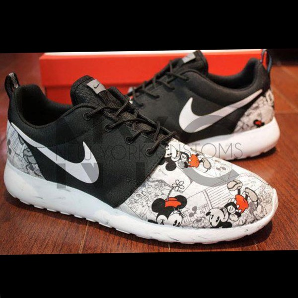 Nike Roshe Run Black Vintage Comic Mickey Minnie V5 Edition
