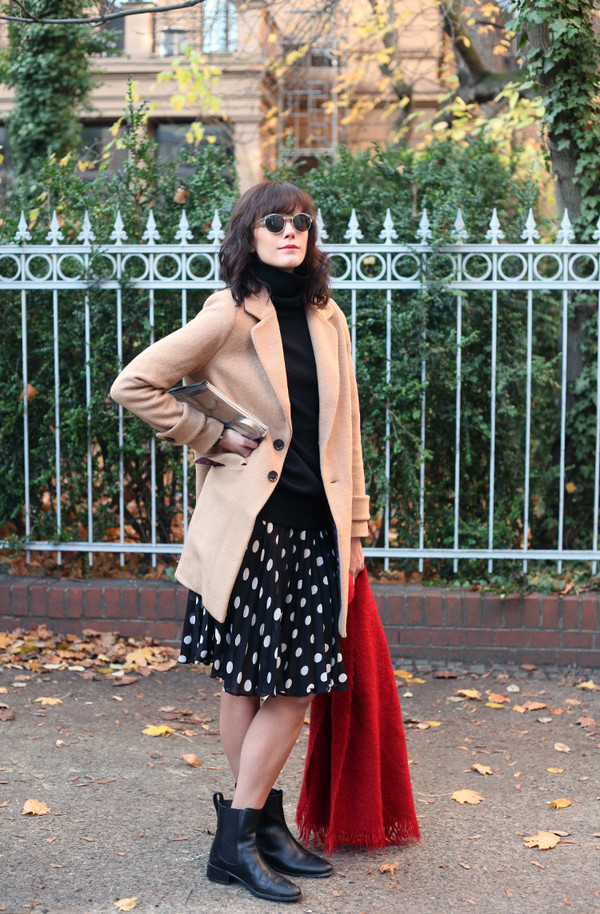che cosa coat skirt scarf shoes sunglasses bag