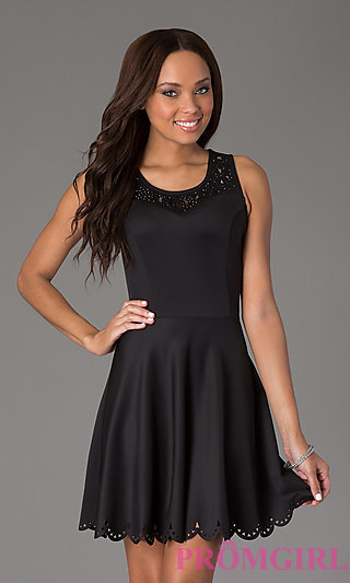 Short Sleeveless Scoop Neck Dress
