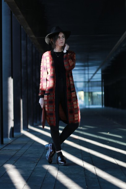 views by laura blogger shoes jeans cardigan hat jewels dress