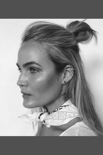 le fashion image blogger hairstyles bun ear piercings bandana
