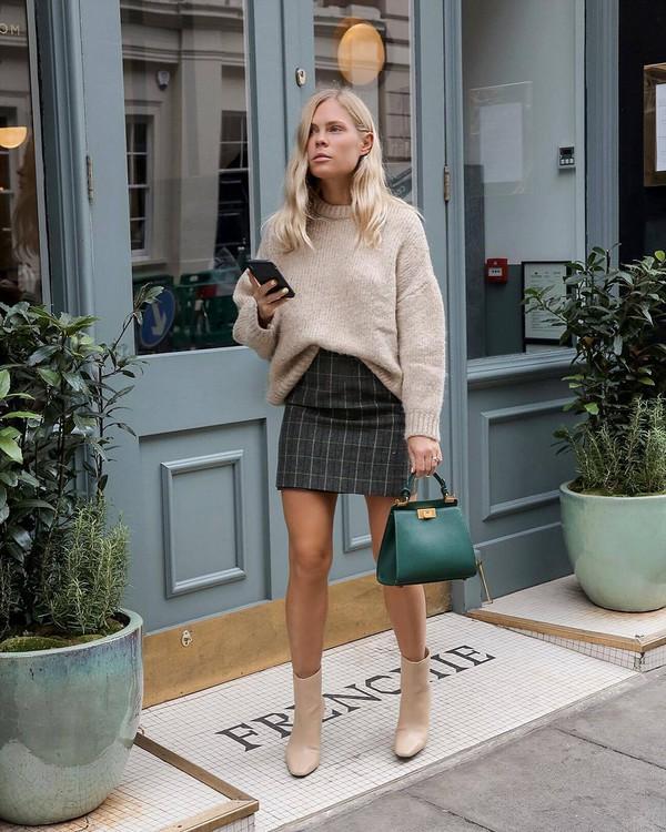 bag handbag leather bag boots mini skirt checkered oversized sweater green  bag sweater. 65ddc10378051