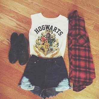 tank top shorts hogwarts boots blouse red white girl black jeans top cropped harry potter