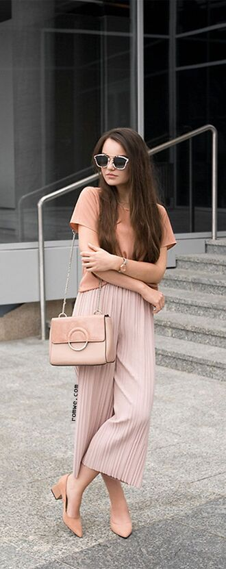 pants sunglasses coral top baby pink bag pink pleated pants beige heels blogger