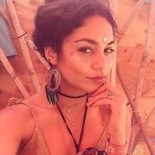 jewels,accessories,earrings,necklace,make-up,vanessa hudgens,instagram,celebrity style,celebrity,celebstyle for less,coachella,festival,music festival,hippie,hippie chic,choker necklace,black choker,layered