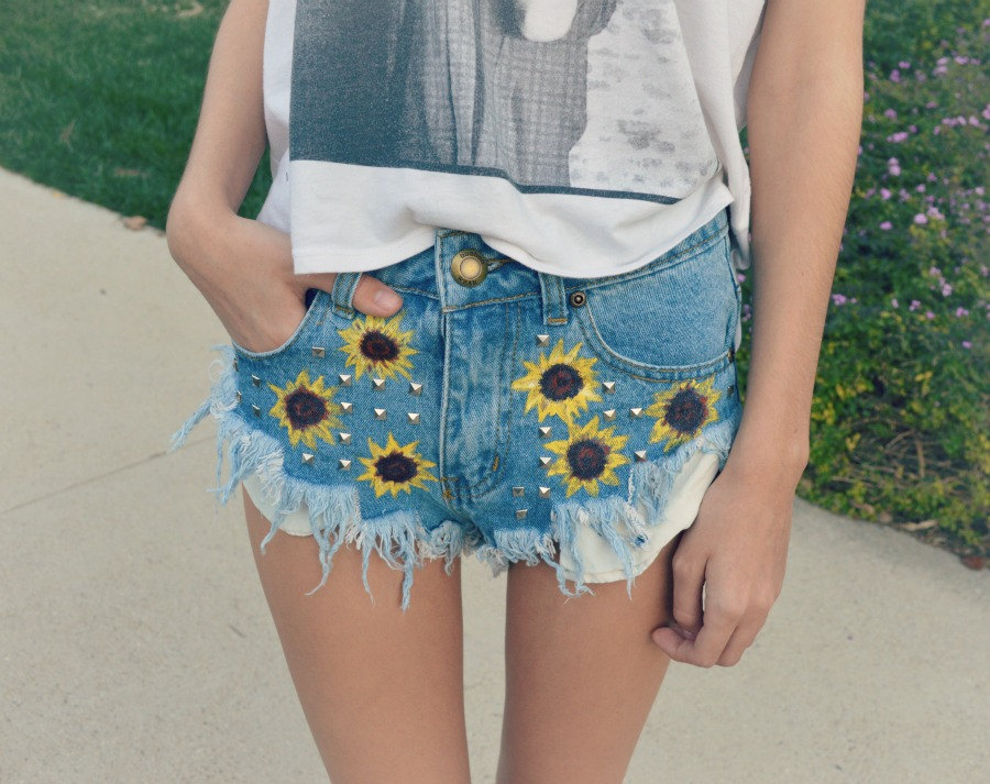 High waisted denim shorts 'sunflower girl'