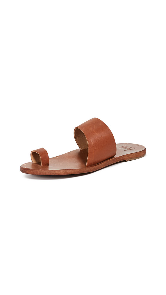 beek Finch Sandals in tan