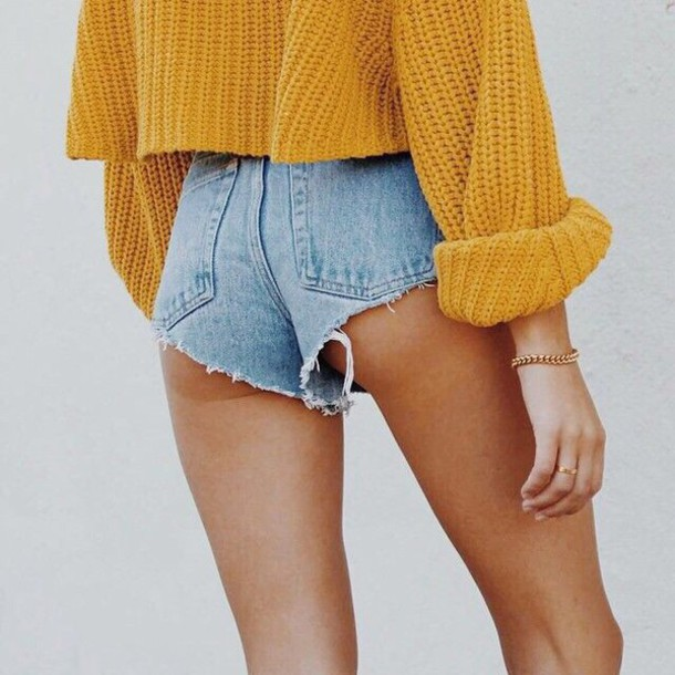 sweater fall outfits cute cozy sweater mustard gloves shorts