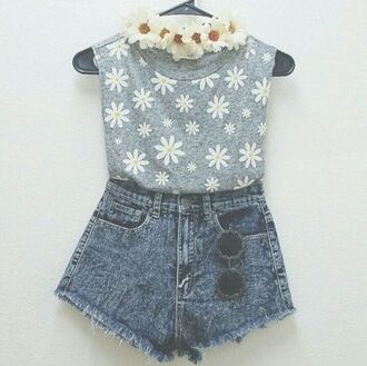 shirt high waisted shorts flower crown flower shirt round sunglasses