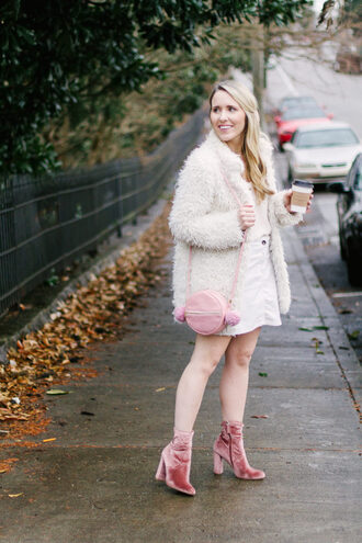pearls&twirl blogger tank top skirt jacket shoes bag round bag fuzzy coat winter outfits ankle boots pink boots
