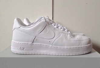 shoes nike white nike air force nike sneakers tennis shoes tennis sneakers flat sporty athletic swoosh nike air pretty tumblr fashion outfit xmas goals nike air force 1 white nikes white shoes